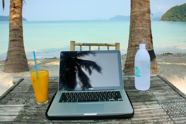 Allier travail sur internet et voyages, le nomadisme digital