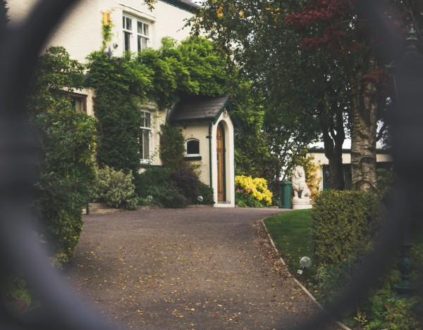 Émission Capital – Comment générer des revenus avec l'immobilier