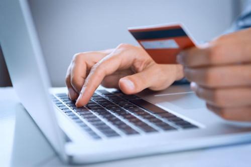 Les avantages de passer à une banque en ligne