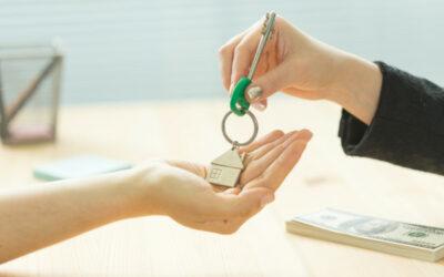 Confier son bien immobilier à une agence : Quand et pourquoi ?
